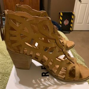 Women's size 10 sandals Tan